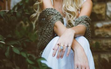 jak dbać o biżuterię