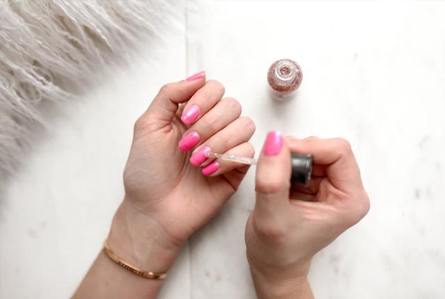 manicure w domu