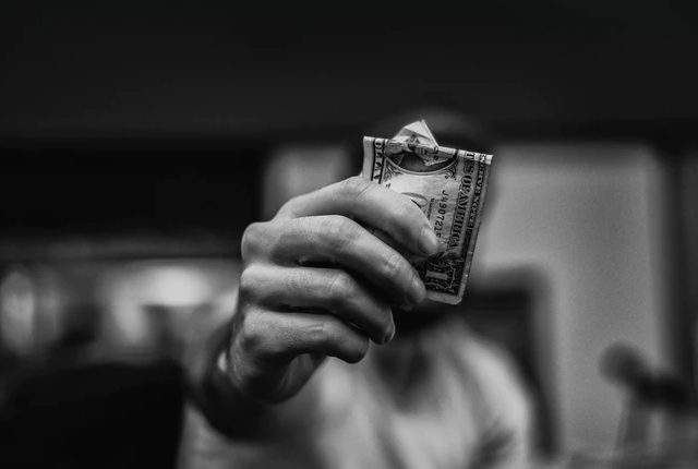 dzielenie się finansami w związku
